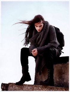 I love long hair on guys! I've always, always found long hair on guys to be very a. Beautiful Men, Beautiful People, Inspiration Artistique, Long Black Hair, Long Hair Man, Dark Hair, Boys With Long Hair, Brown Hair, My Hairstyle