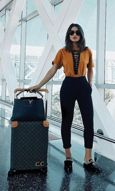 Get the latest fall outfits inspiration. This is the first installment of the fall fashion outfits ideas micro series that will be published two times a week all season. Look Boho, Look Chic, Winter Outfits, Summer Outfits, Casual Outfits, Girl Fashion, Fashion Outfits, Womens Fashion, Ootd Fashion