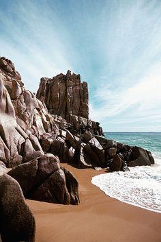 Mexico, Baja California, Cabo San Lucas, Waves crashing on Solmar Beach