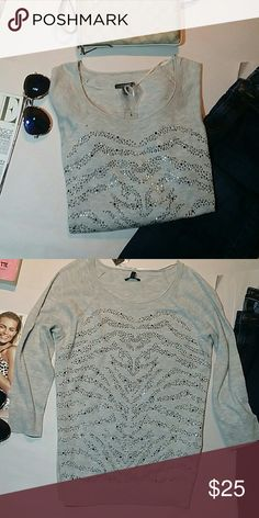 """Sparkly animal like stripes sweater NWT sz M Sparkly animal like stripes sweater NWT sz M. Apt. 9. Heather gray. Metallic and black bedazzled bling. Casual and can be worn for a dressy look. Armitage to armpit 20"""". Apt. 9 Sweaters Crew & Scoop Necks"""