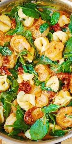 Creamy Tortellini with Shrimp and Veggies – spicy shrimp smothered in a creamy Mozzarella cheese sauce with sun-dried tomatoes and spinach! (pasta, dinner, vegetables)