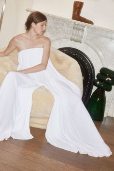 See all the Collection photos from Rosetta Getty Spring/Summer 2018 Ready-To-Wear now on British Vogue Bouchra Jarrar, Strapless Dress Formal, Formal Dresses, Vogue, Rosetta Getty, Girl Inspiration, Fashion Inspiration, Fashion Show Collection, Spring Summer 2018