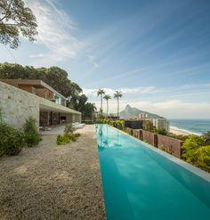 Megavilla mit Blick auf Rio de Janeiro und das Meer