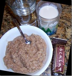 1 and 1/2 servings oats (or other grain) (60g) 1 tsp cinnamon a little over 1/4 tsp salt ½ to 1 tsp pure vanilla extract (I use ½ tsp) 2 tbs...