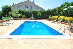 Belle villa indépendante espagnole avec piscine privée, grand jardin aménagé avec barbecue et beaucoup d'intimité.