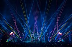 Coldplay Sucks, But How Awesome Is Their Light Show? | Co.Design: business + innovation + design