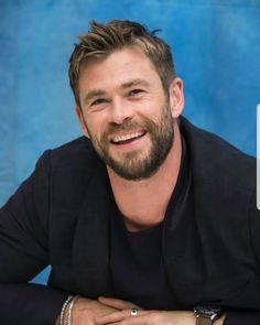 Stucky, Chris Hemsworth Hair, Snowwhite And The Huntsman, Hemsworth Brothers, Australian Actors, Man Thing Marvel, Marvel Actors, Hugh Jackman, Celebrity Crush