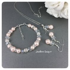 Bridesmaid Jewelry Blush Wedding Maid of Honor Gift Set Bridesmaid Bracelet Blush Bracelet Jewelry Gift Idea by JoaillerieDaisy on Etsy https://www.etsy.com/ca/listing/594611531/bridesmaid-jewelry-blush-wedding-maid-of