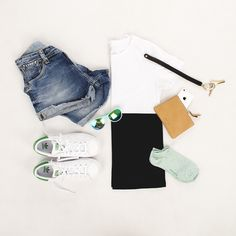 NOCE PURSY  #purse #sunglasses #keyring #iphone #socks #adidas #sneakers #accessories
