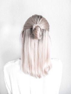 Hair // In need of a detox? Click on this photo to get 10% off your teatox using our discount code 'Pinterest10' on www.skinnymetea.com.au X #hairstyle #halfbun