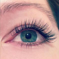 Beautiful green eyes paired with a light, natural set mixing both Xtreme Lashes single layer & Volumation techniques! Find Ashton from Colorado on our Xtreme Lashes Certified Lash Stylist Directory to receive your own set of Xtreme Lashes Eyelash Extensions!