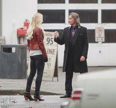 Jennifer & Robert on set (November 4, 2015)