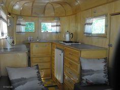horse trailer converted to camper Custom Trailers, Vintage Trailers, Horse Trailers, Camper Trailers, Campers, Travel Trailers, Converted Horse Trailer, Horse Box Conversion, Cargo Trailer Camper Conversion