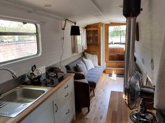 The Boutique Narrowboat – Lesley Ann Sleeps 2 This canal boat is one-of-a-kind. She contains all the modern luxuries you would expect from a boutique holiday escape and is designed with couples in mind. Boutique Interior, A Boutique, Canal Boat Hire, Narrowboat Holidays, Canal Boat Interior, Narrowboat Interiors, Vegas, Japanese Interior, Boat Design