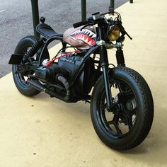 Bobbers, choppers, café racers and hot rods. Motor | motomood:   BMW bobber     Can't get any cleaner...