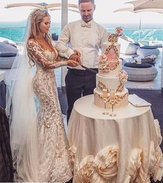 Haute couture wedding dresses like this can be replicated in a price range . - Haute couture wedding dresses like this can be replicated in a price range that you … - Custom Wedding Dress, Dream Wedding Dresses, Bridal Dresses, Couture Wedding Gowns, Couture Dresses, Fashion Dresses, Magical Wedding, Perfect Wedding, Luxury Wedding