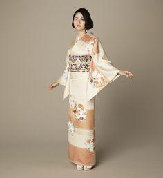 Japanese Outfits, Japanese Fashion, Japanese Clothing, Traditional Kimono, Traditional Outfits, Traditional Japanese, Kimono Japan, Japanese Kimono, Kimono Fashion
