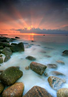 Sennen Cove Sunset - Photography by Angie Latham Luxury Beach Resorts, Beach Hotels, Photography Beach, Amazing Photography, Beautiful Sunrise, Beautiful Beaches, South West Coast Path, Beach Vibes, Vsco