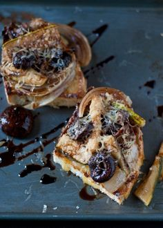 #RECIPE - Balsamic Roasted Mushroom and Zucchini French Bread Pizzas
