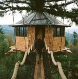 Tree house ideas will fill the minds of many families with children or even when the baby is still on the way. There are many tree house ideas where you… Continue Reading → Building A Treehouse, Build A Playhouse, Treehouse Ideas, Treehouse Masters, Exterior Design, Interior And Exterior, Cozy Backyard, Backyard Ideas, Cool Tree Houses