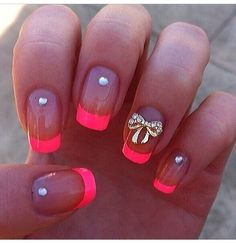 Beautiful Summer Nail Design.