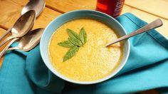 Wer denkt, Melone kann nicht als Suppe verspeist werden, der überzeuge sich von dieser pikant gewürzten Suppe von der Charentais-Melone!