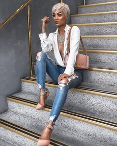 Glowed up ✨ Jean Outfits, Dress Outfits, Fashion Outfits, Denim Fashion, Fashion Photo, Fashion Line, Runway Fashion, Womens Fashion, Short Hair Styles