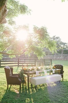 An outdoor Thanksgiving dinner is a genius idea for those who are lucky enough to have cozy climates.