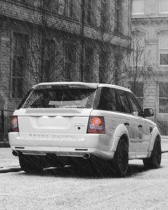 Kahn Sport 2010 #rangerover • #luxurycorp • Photo: Richard Raw • #luxury #cars #range
