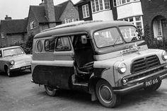 Bedford CA Dormobile Bedford Van, Bedford Truck, Classic Campers, Classic Trucks, Camper Caravan, Truck Camper, Vintage Vans, Commercial Vehicle, Old Trucks
