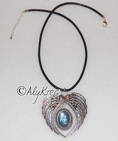 Collier pendentif aile d'ange + cabochon inspiré de The Mortal Instruments