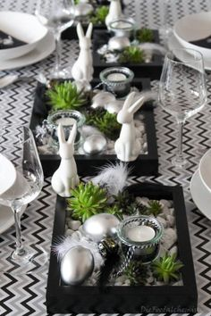Oster-Tableau 6 - Oster-Tableau 6 The Effective Pictures We Offer You About diy A quality picture can tell you many - Red Party Decorations, Decoration Table, Easter Art, Easter Crafts, Home Beach, Crafts For Teens To Make, Garden Cottage, Easter Table, Deco Table