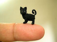 Miniatura negro gato 1/2 pulgada - Micro Mini Amigurumi Crochet gato gatito…