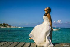 http://www.joseluisalvarez.com.mx/trash-the-dress-mark-silvia-pto-morelos-quintana-roo/