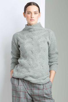 Cashmere cable & rib turtle neck sweater in silver