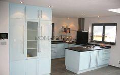 Mobila bucatarie la comanda White Kitchen Island, Kitchen Cabinets, Furniture, Design, Home Decor, Inspiration, Closet, Ad Home, Simple