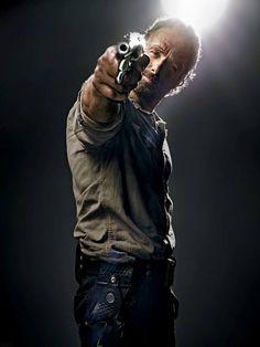 E' stato rilsciato il primo trailer dell'attesa serie The Walking Dead 4. Vieni a vedere cosa accadrà il prossimo Ottobre.