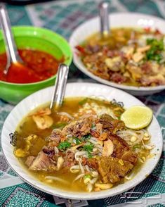 Soup Recipes, Chicken Recipes, Cooking Recipes, Yummy Noodles, Indonesian Cuisine, Asian Recipes, Ethnic Recipes, Street Food, Food And Drink