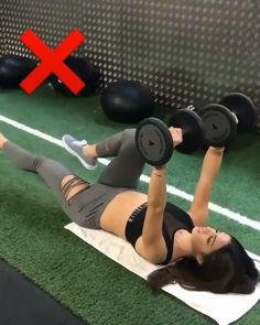 4 effective abs workout for women. Quick flat abs exercise at home. Credit: IG 4 effective abs workout for women. Quick flat abs exercise at home. Fitness Workouts, Fitness Workout For Women, At Home Workouts, Sixpack Workout, Flat Abs Workout, Effective Ab Workouts, Workout Challenge, Excercise, Workout Videos