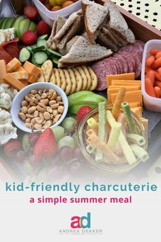 Easy Summer Dinners, Dinners For Kids, Quick Easy Meals, Kids Meals, Charcuterie Recipes, Charcuterie And Cheese Board, Meat And Cheese Tray, Appetizers For Kids, Lunch Snacks