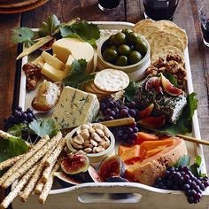 Just add our breadsticks and flatbread to create your own beautiful cheese platter!  Healthy, crunchy, delicious.  #tastethelove  www.jennifershomemade.com  ###  Tag us @jennifershomemade #jennifershomemade how or where you enjoy your Jennifer's Homemade #breadsticks and #flatbread and we might repost!  ###  #snack #rosemary #salty #savory #delicious #extravirginoliveoil #beautifulfood #fresh #refuel #foodie #barrysbootcamp #soulcycle #huffposttaste #foodandwine #wholefoods #freshmarket…