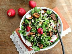 Spring Pea Shoot and Radish Salad. Spring pea shoot and radish salad with dried figs blue cheese walnuts and a balsamic drizzle. The perfect early spring dish! Caesar Salat, Caprese Salat, Radish Salad, Spring Salad, Healthy Salad Recipes, Fruits And Veggies, Soup And Salad, Entrees, Salads