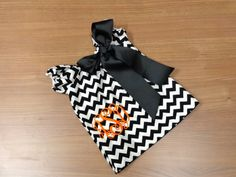 Monogrammed Black White Chevron Short Sleeve Dress Bow Newborn 0-3 3-6 6-9 9-12 Month 12 Month 18 Month 2t 3t 4t 5t 6 Halloween 1st Football