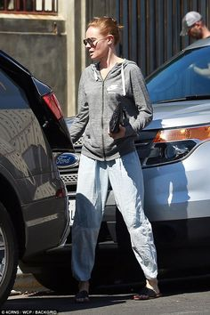 Grey Nike Jacket, Kate Bosworth Style, Free Friends, Style Finder, Fashion Finder, Sports Luxe, Grey Nikes, Old Actress, Nike Hoodie