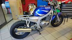 Sukuki GS500 special project work in progress: the tail has been reworked for new seat and lights part 1