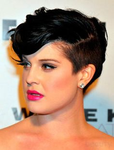 short hair style for women - Kelly Osbourne She looks beautiful!