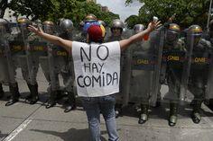"""""""¡Señores, por Dios! Quizás la foto del tuit de Fe y Alegría no es en Venezuela; pero los dos niños que murieron sí son nuestros #YaBasta! Ni una muerte más"""", expresó la dirigente política venezola…"""