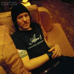 Elliott Smith A-1 Limo Services Lo Fi Music, Sweet Soul, Thing 1, Indie Pop, Playing Guitar, American Singers, Celebrity Crush, Good People, The Beatles