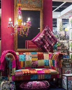 Inspiring Hippie Bohemian Furniture Ideas and Designs Bohemian Furniture, Bohemian Interior, Funky Furniture, Furniture Ideas, Bohemian House, Boho Room, Gypsy Decor, Bohemian Decor, Hippie Chic Decor
