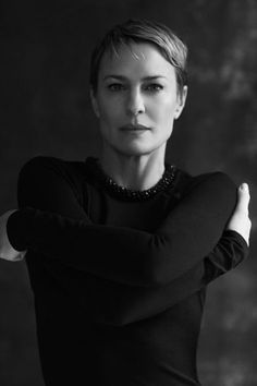Robin Wright by David Roemer. Great personage in House of Cards! Robin Wright Hair, Gorgeous Women, Beautiful People, Black And White Portraits, Famous Women, Glamour, Famous Faces, American Actress, Movie Stars